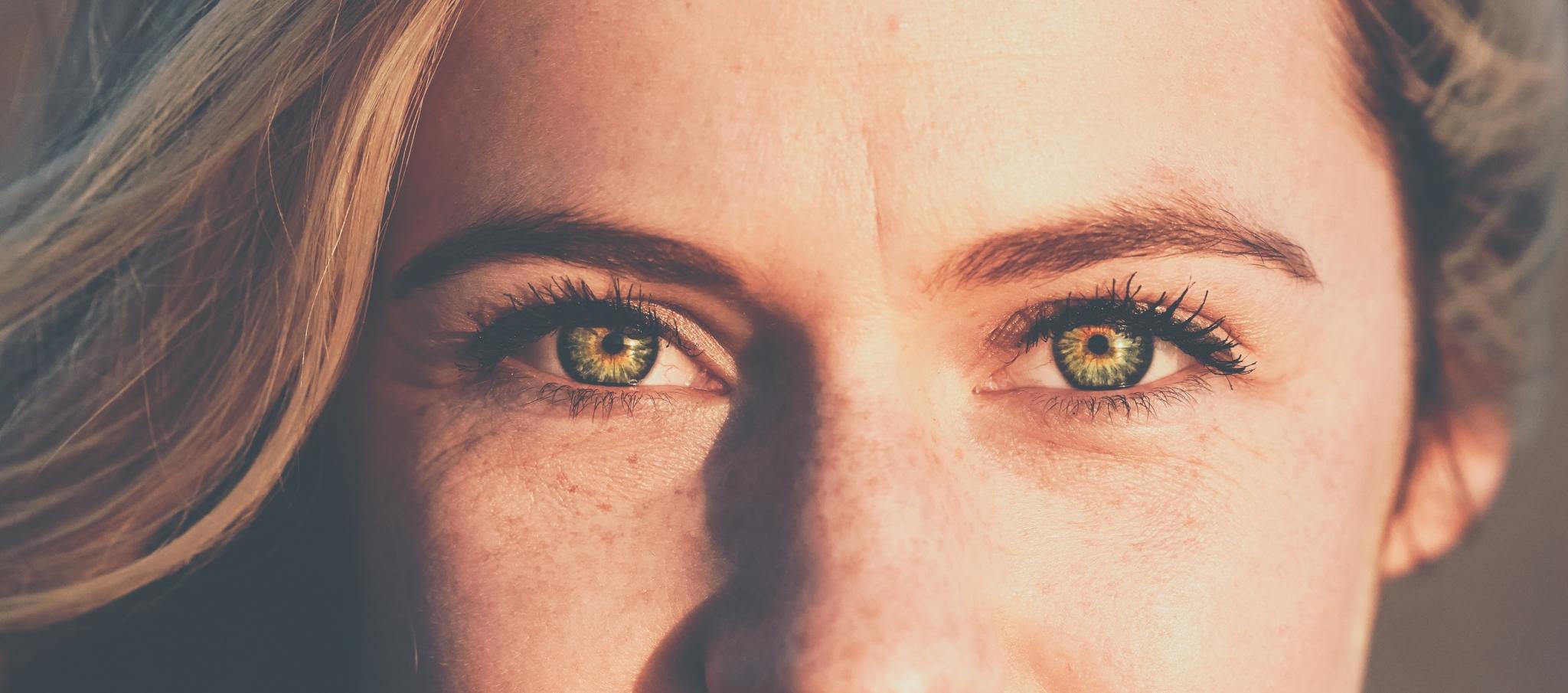 womens-eyes-1